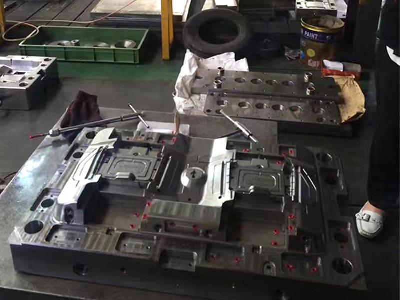 05-Mold Assembling