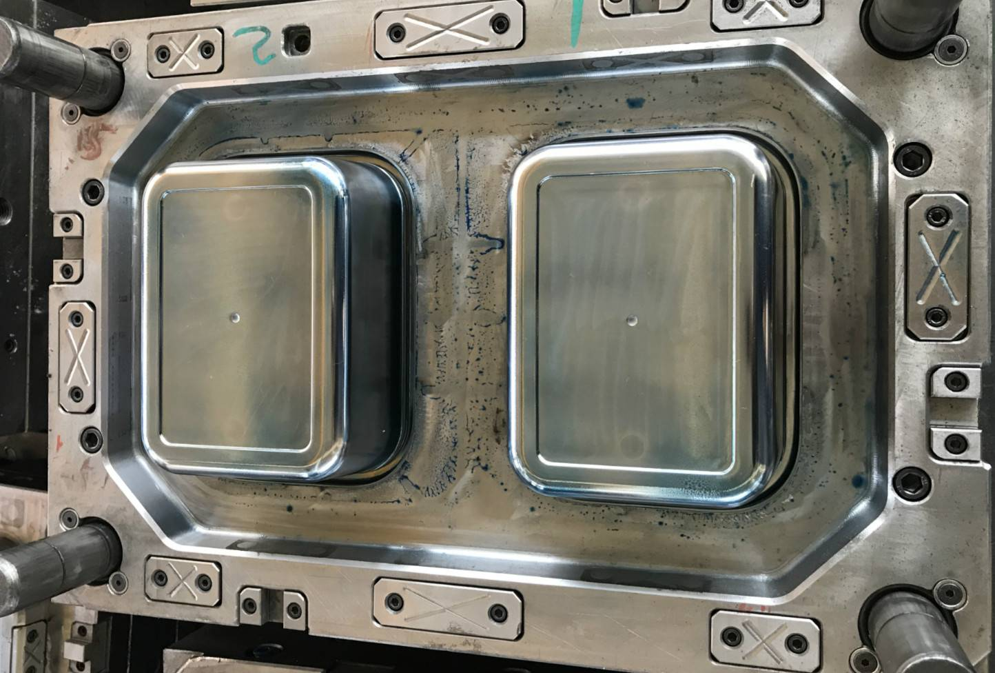 Thin wall container mould 200ml, 500ml